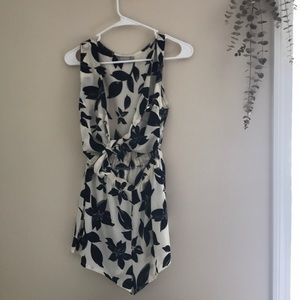 nwot rumor boutique by LF romper